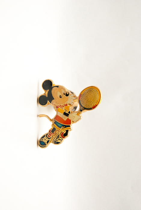 Disney Mickey Mouse speelt tennis-0