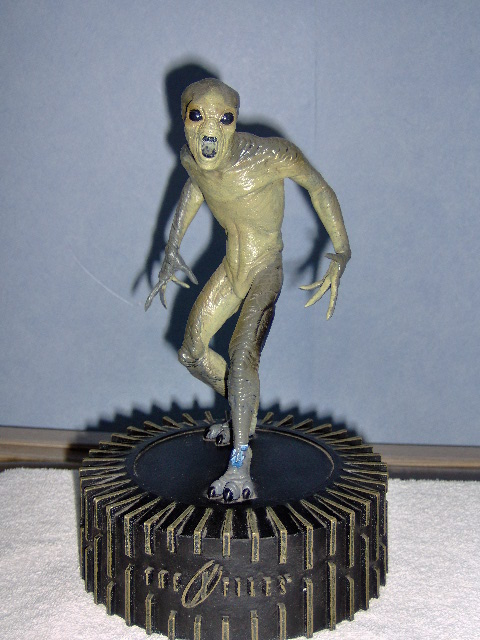 Beeld The X Files Alien-0